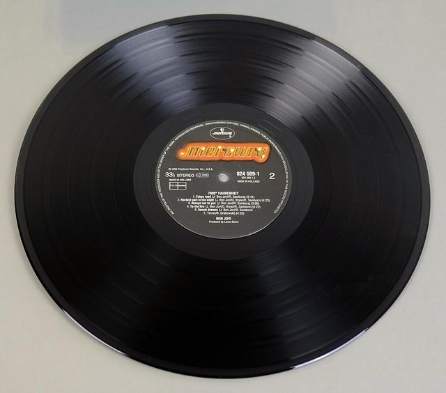 """BON JOVI 7800° Fahrenheit CUSTOM SLEEVe 12"""" LP VINYL"""
