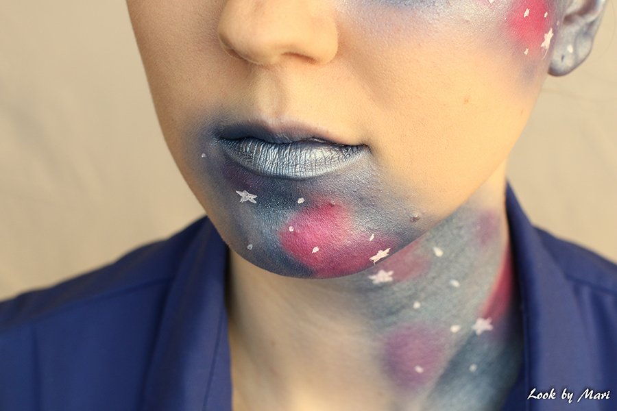 16 galaxy makeup