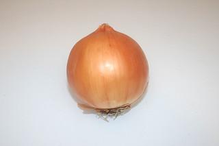 01 - Zutat Gemüsezwiebel / Ingredient onion