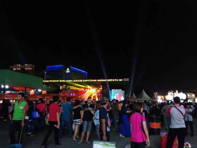 Suasana PRJ sekitar panggung utama