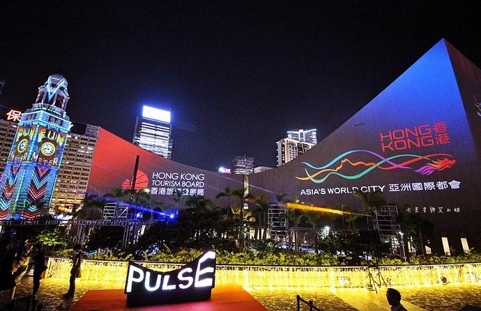2 香港 閃躍維港 3D光雕匯演