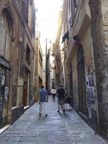 dans les rues de Gênes