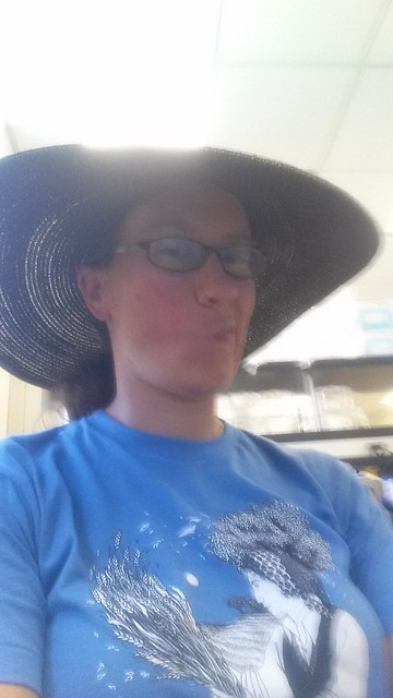 Blurry wide-brimmed hat