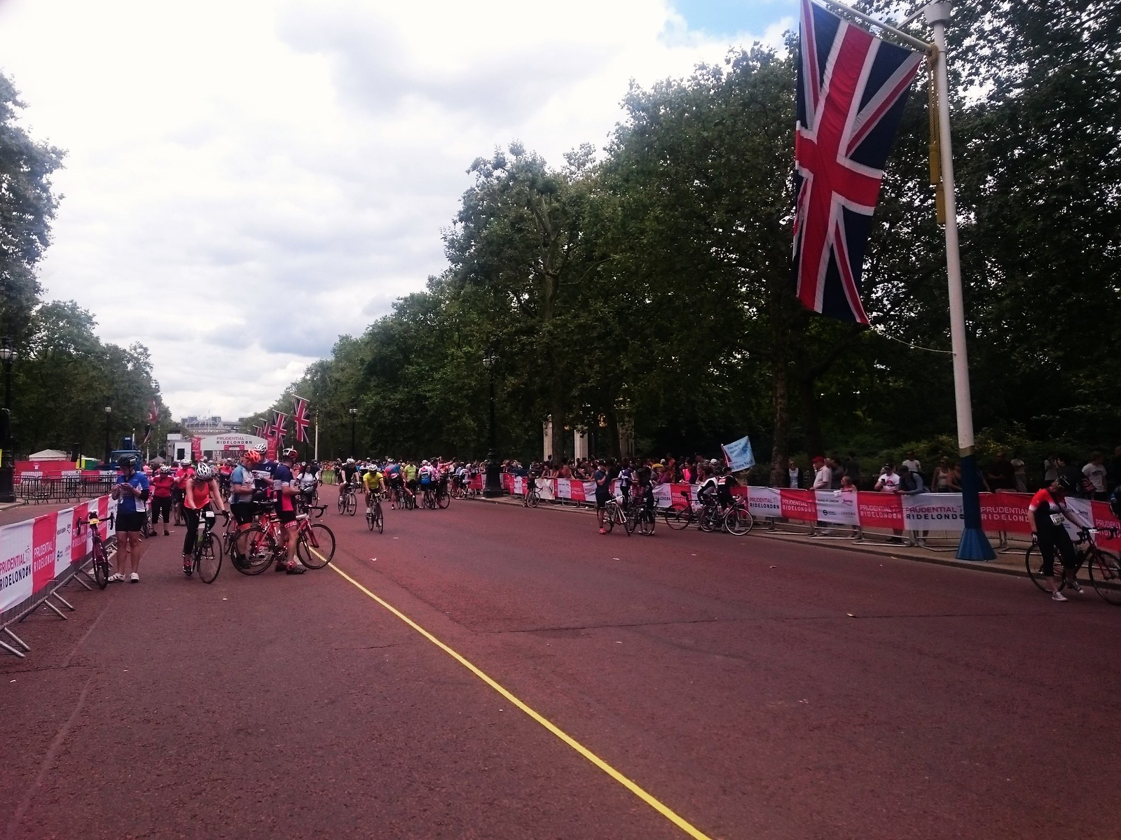 RideLondon 100 Finish on The Mall