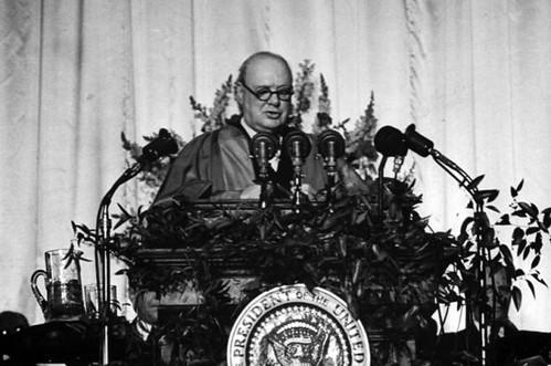 Churchill1946