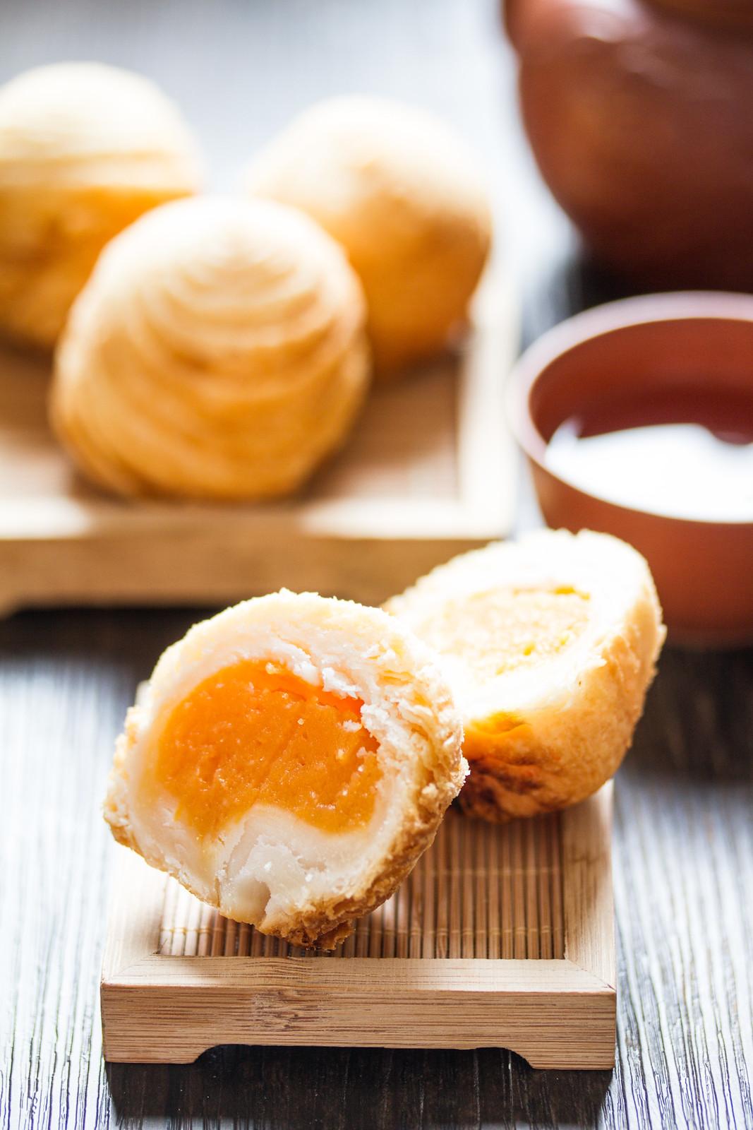 Conrad Centennial Singapore Mooncakes: Golden Peony's signature Sweet Potato Mooncake in Crispy Filo Pastry
