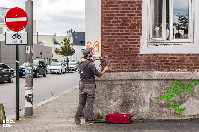 Hanging out on the Stavanger streets with stencil artist Jaune