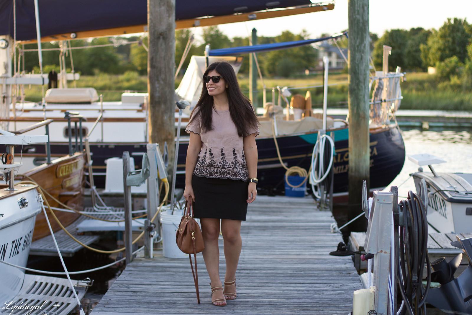 scalloped linen shirt, black pencil skirt, brown bag-4.jpg