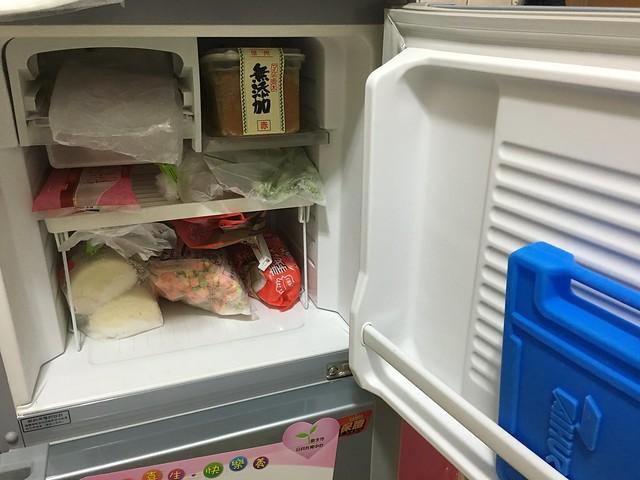 冷凍庫@SAMPO 聲寶 140 公升的雙門小冰箱 SR-K14Q