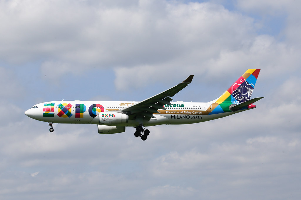 Etihad Airbus A330 EXPO2015