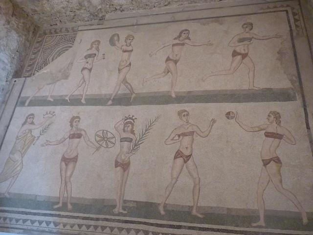 Bikini Mädels in Villa Romana del Casale