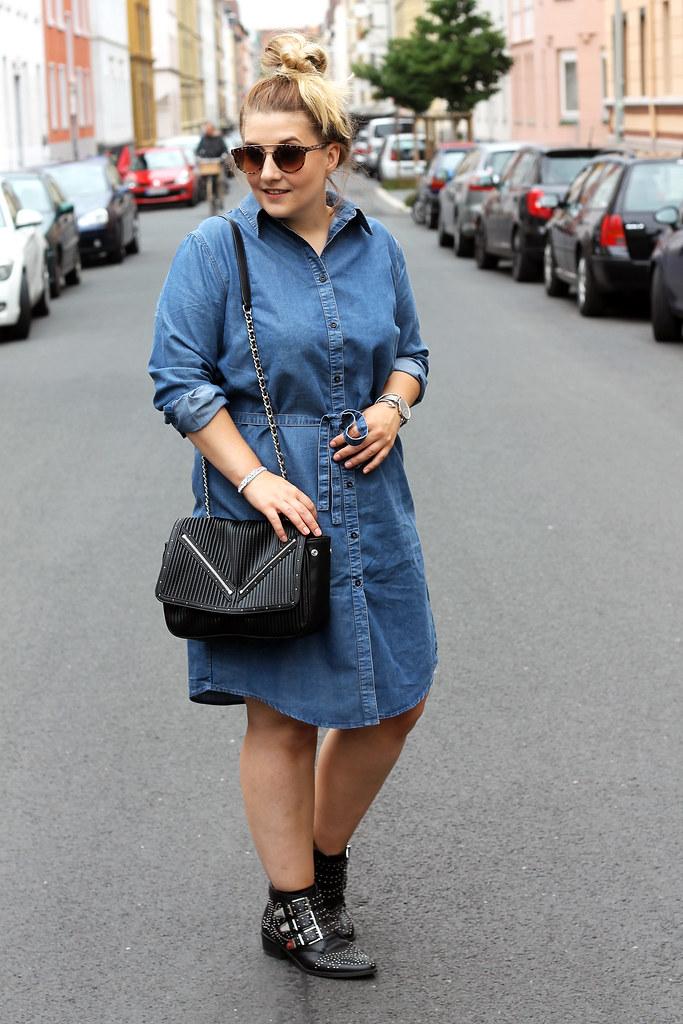 outfit-europapassage-jeanskleid-sommer-trend-look-modeblog-fashionblog-stiefeletten-chloe-lookalike9
