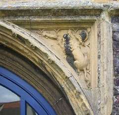 spandrel: lion and cat