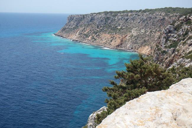 Outfit e viaggi Formentera, faro de La Mola (5)