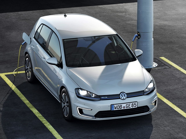 Электрокар Volkswagen e-Golf. 2013 год