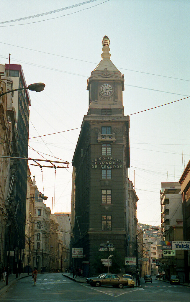 Edificio del Reloj Turri (Valparaíso) [neg-color]