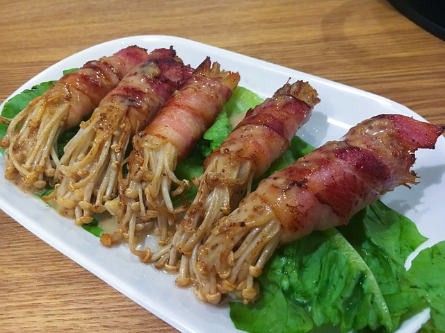 needle-mushroom-wrapped-with-bacon