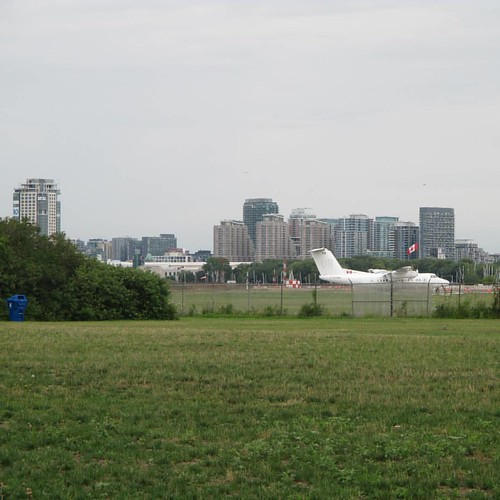 Liberty Village beyond Billy Bishop #toronto #torontoislands #skyline #hanlanspoint #libertyvillage #billybishopairport