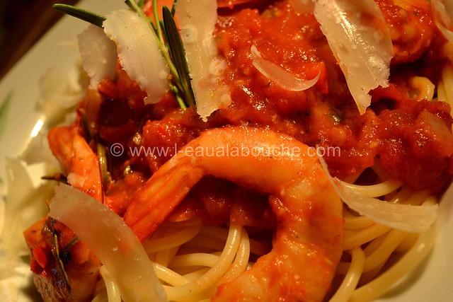 Spaghetti aux Crevettes & aux Trois Poivrons  © Ana Luthi Tous droits réservés 5