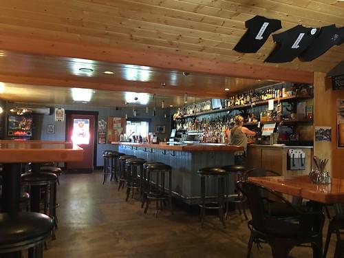Old Corner Pub-001
