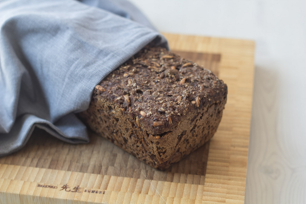 Recipe for homemade Danish rye bread