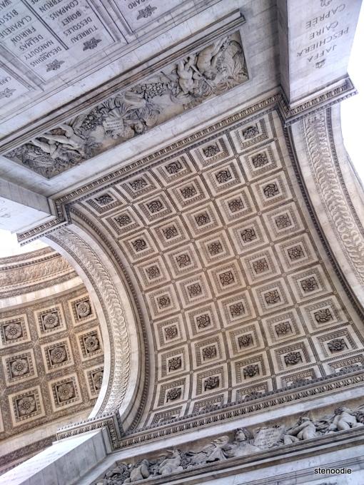 Arc De Tromphie underbelly